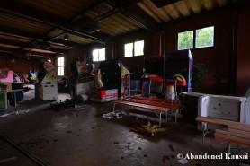 abandoned-japanese-arcade